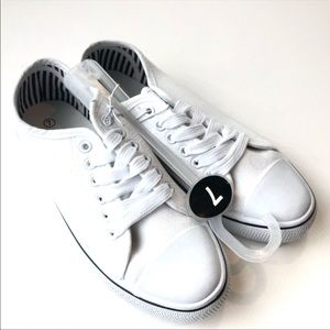 NWT White Laced Sneakers Size 7
